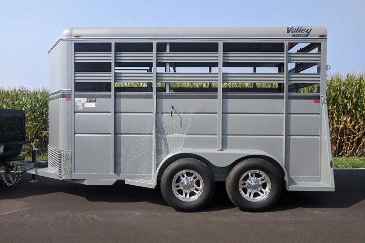 26014 stock trailer silver