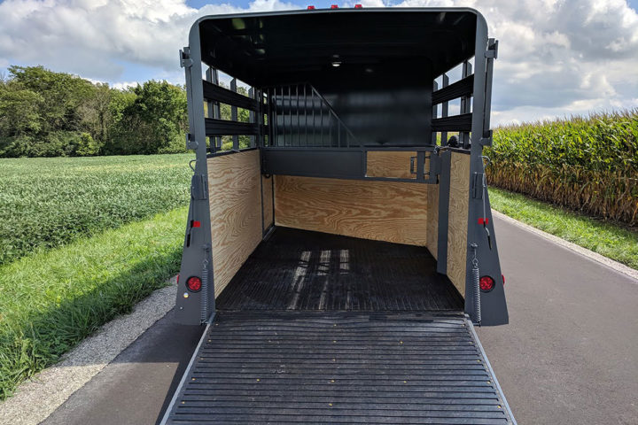 Custom 2800 horse trailer slant